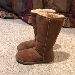 UGG Shoes - Ugg chestnut classic tall sheepskin boots size 9